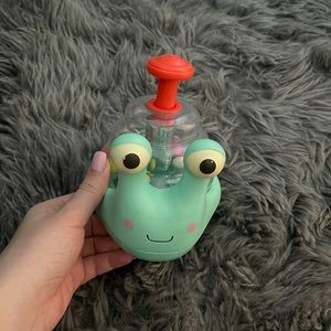 Baby toy snail